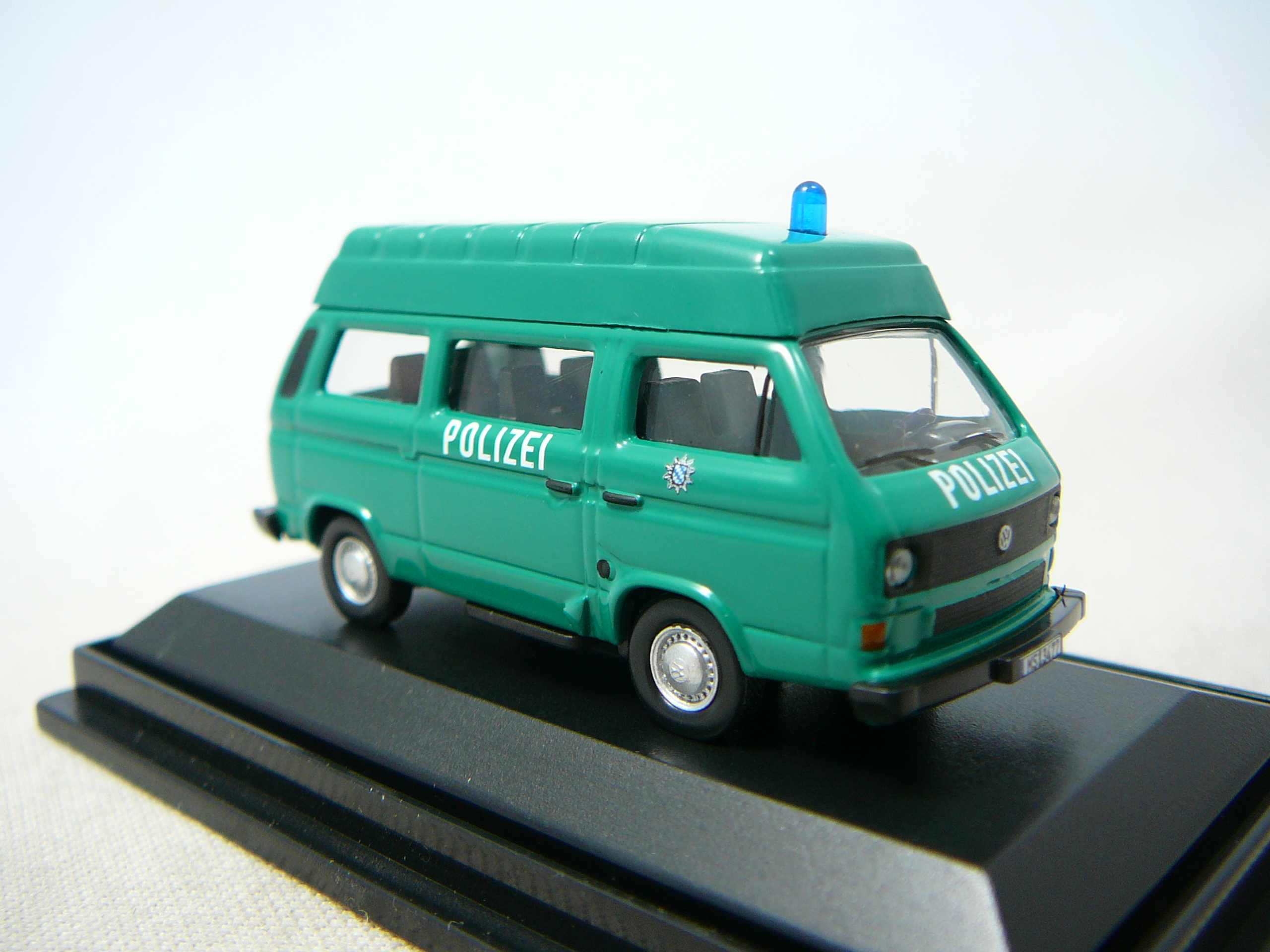 volkswagen t3 bus polizei miniature 1 87 schuco sc 25784 freeway01 voitures miniatures de. Black Bedroom Furniture Sets. Home Design Ideas