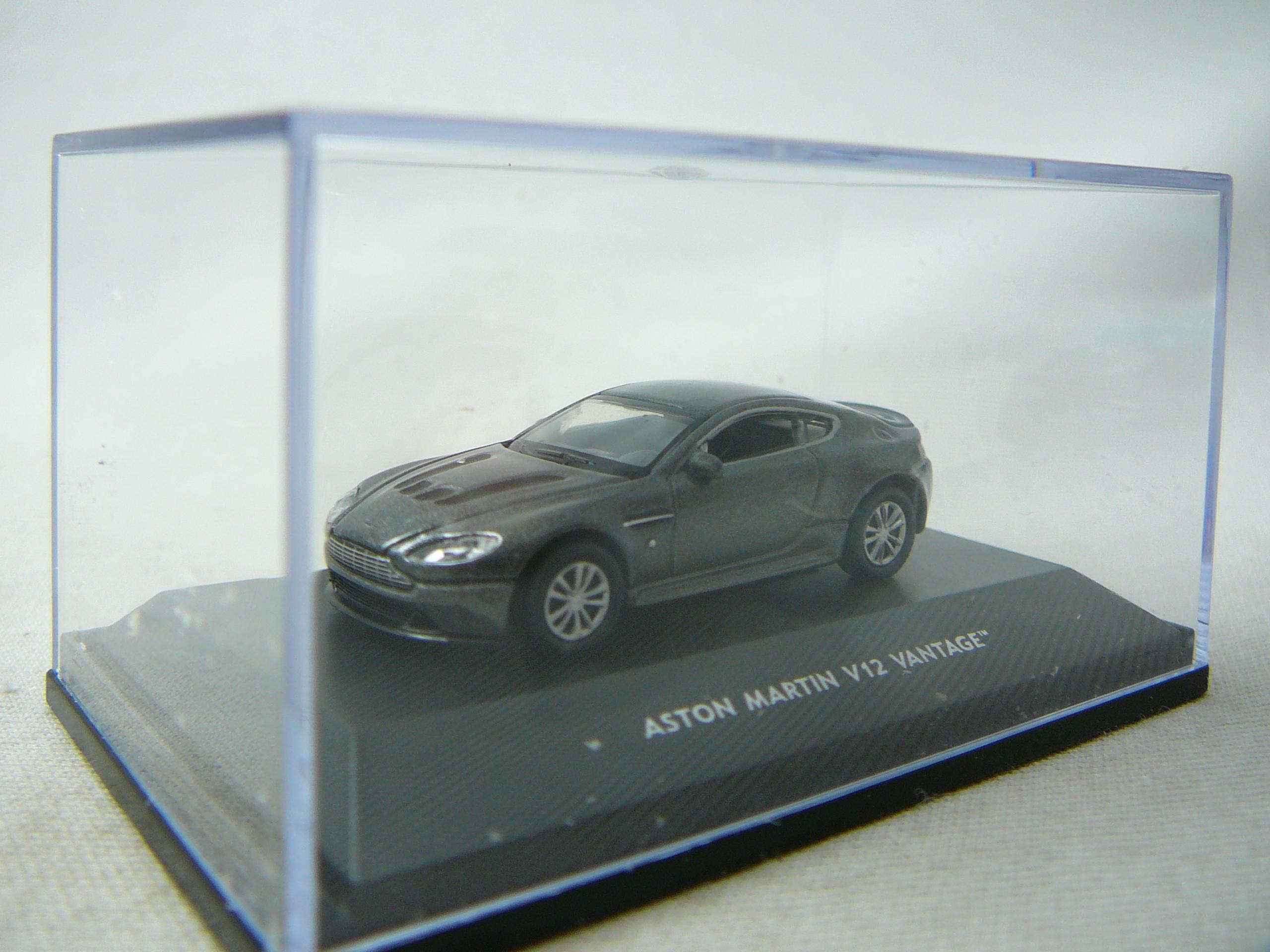 aston martin v12 vantage miniature 1 87 welly wel 73145si freeway01 voitures miniatures de. Black Bedroom Furniture Sets. Home Design Ideas