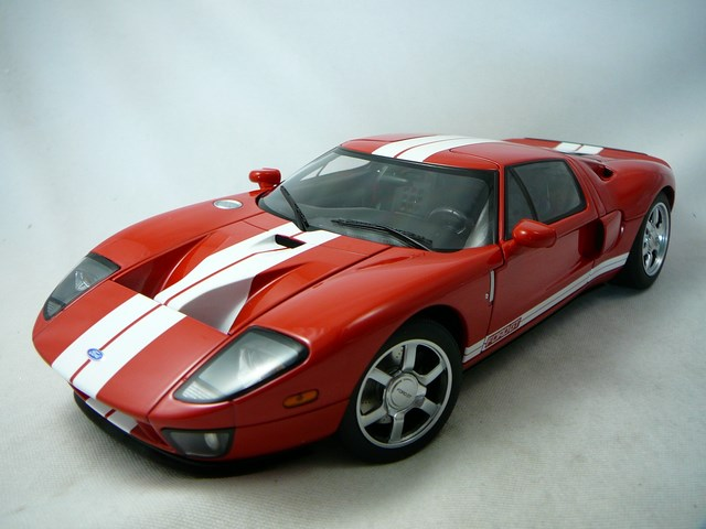 voiture miniature de course ford gt 2004 s rie millenium. Black Bedroom Furniture Sets. Home Design Ideas