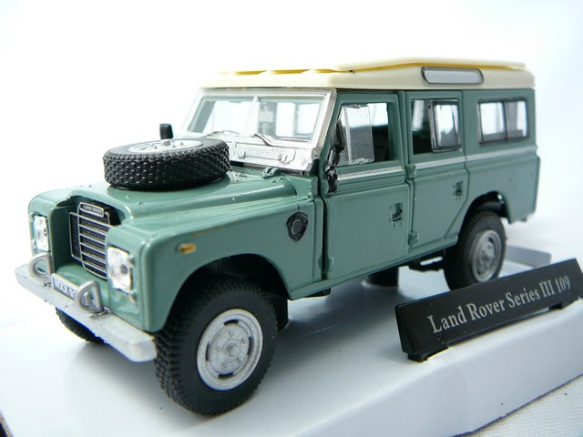 miniature voiture 4x4 land rover series 3 109. Black Bedroom Furniture Sets. Home Design Ideas