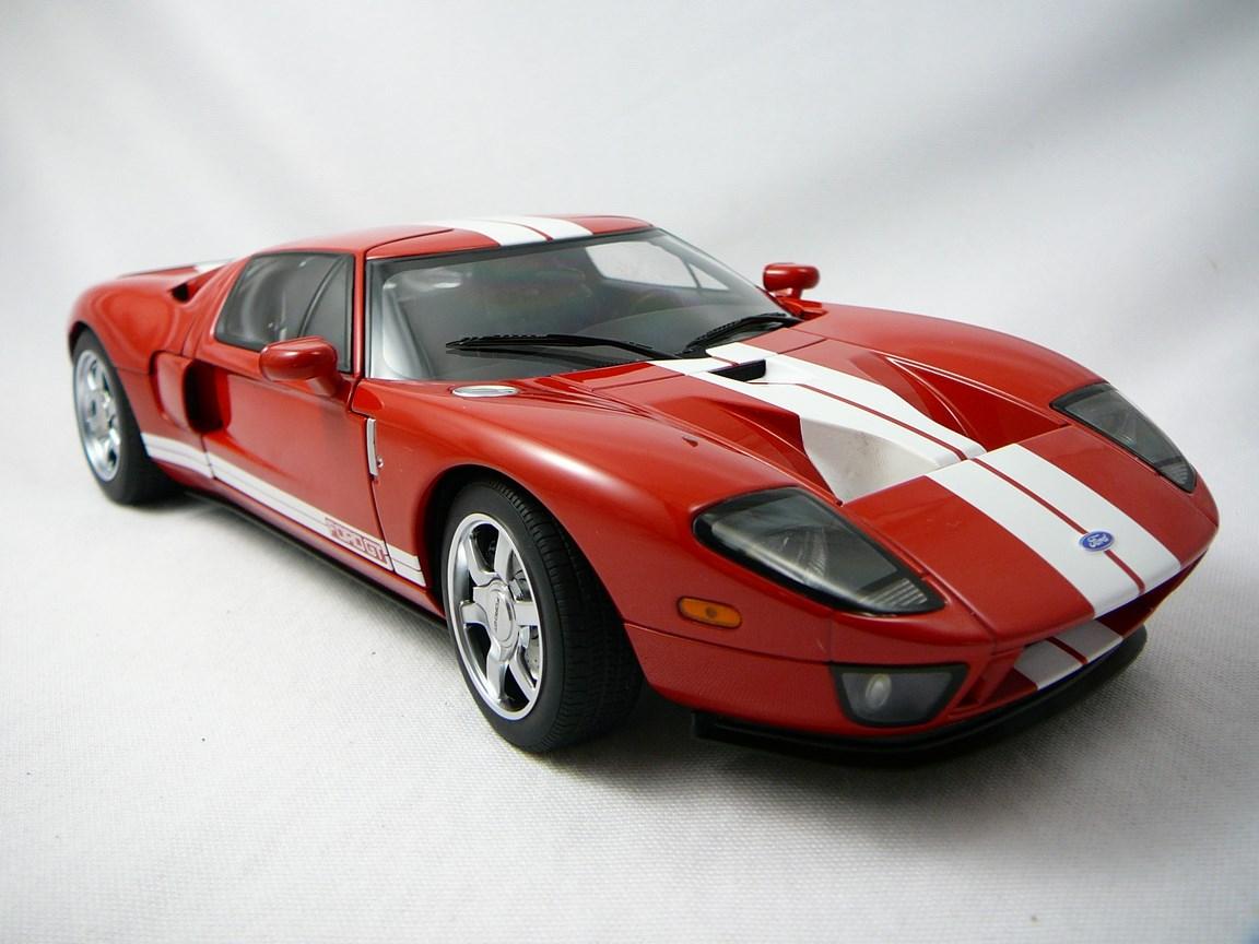 Ford GT 2004 S�rie Millenium 1/18 Auto Art