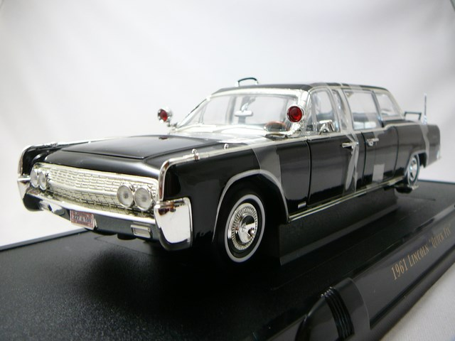 miniature voiture lincoln continental x 100 quick fix us presidential limousine 1961 lucky. Black Bedroom Furniture Sets. Home Design Ideas