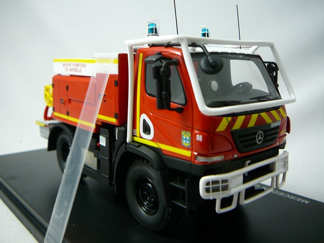 miniature camion mercedes benz unimog u20 ccf gimaex 13 marins pompiers marseille alerte. Black Bedroom Furniture Sets. Home Design Ideas