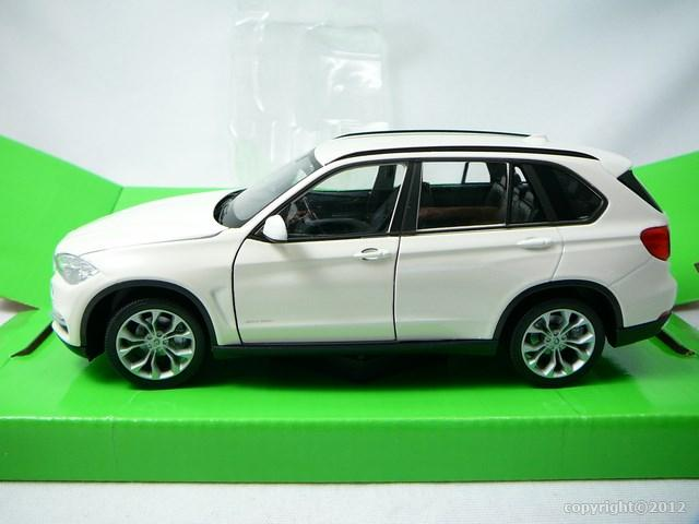 miniature voiture 4x4 bmw x5 2015 welly. Black Bedroom Furniture Sets. Home Design Ideas