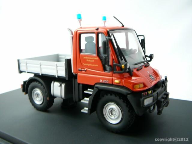 mercedes benz unimog u300 pompiers miniature 1 43 schuco. Black Bedroom Furniture Sets. Home Design Ideas
