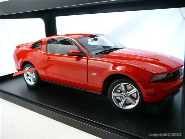 ford mustang gt 2010 miniature 1 18 auto art aa 72913 freeway01 voitures miniatures de. Black Bedroom Furniture Sets. Home Design Ideas
