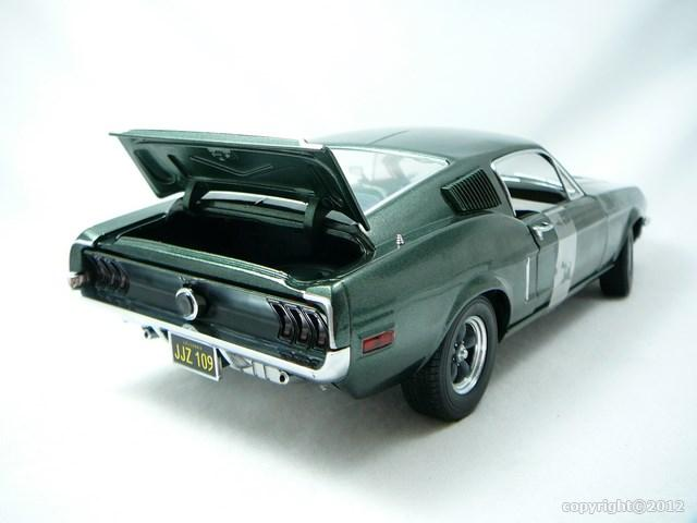 miniature voiture mustang gt bullitt steve mac queen 1968 greenlight. Black Bedroom Furniture Sets. Home Design Ideas