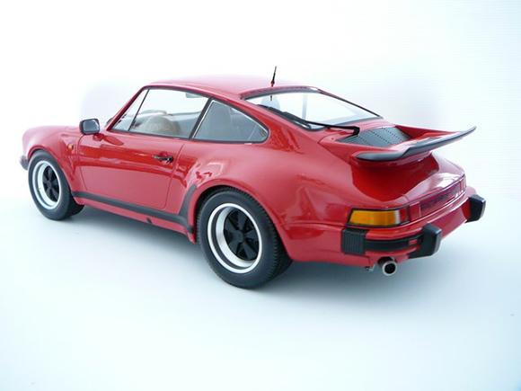 Voiture miniature 1/12 Porsche