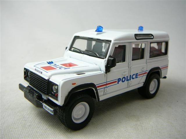 Rover 32003 Land Miniature Defender 150 Burago Police Bur 2DE9HI